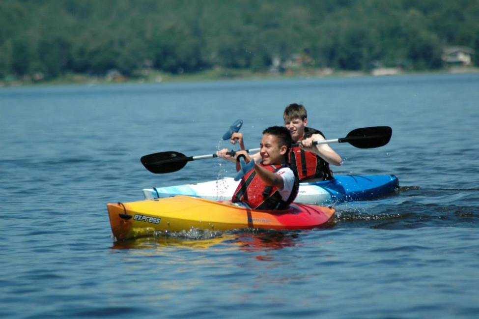 Destination Canada summer English students learn how to kayak in Ottawa